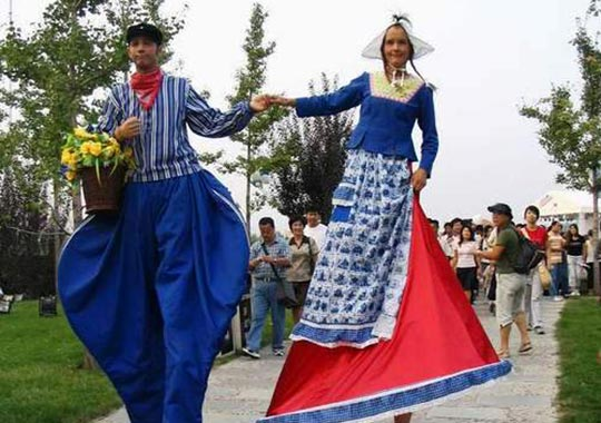 Meeting-design-Acrobatisch-boeren-echtpaar