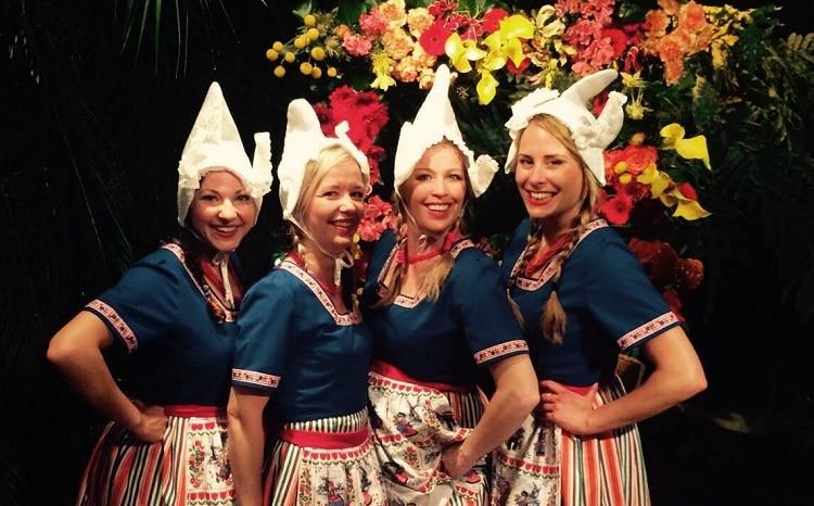 buitenlandse gasten - kaasmeisjes act